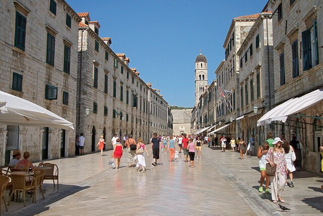 Dubrovnik - Discover old town